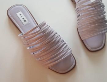 รองเท้าลำลอง