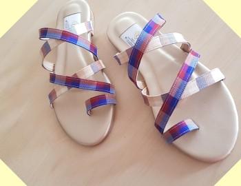 ผลิตรองเท้างานผ้าไหมไทย